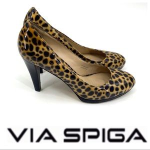 💕SALE💕Via Spiga Patten Leather Animal Print Heel